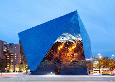 MOCA-museum-of-contemporary-art-by-moussaviss-1a
